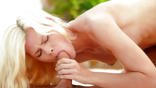 Blonde hot bitch groaning during the outdoor fucking