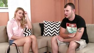 Hotie daring enjoys seducing her horny guy