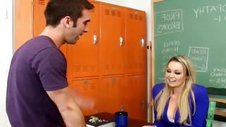 Long haired kinky bitch looks spicy in classroom